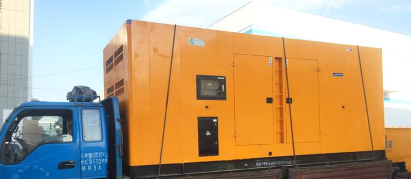Diesel generator assembly and engine
